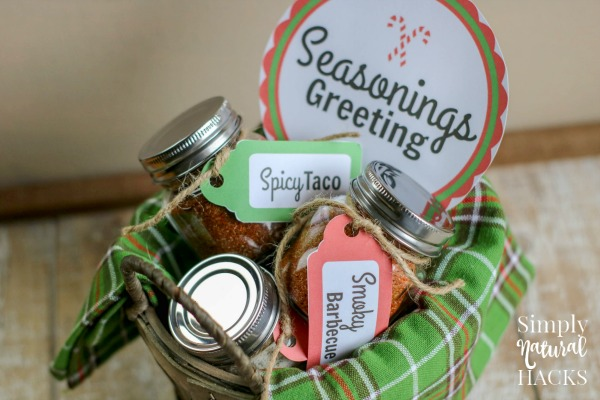 This diy seasoning mix gift basket with gift tags is easy to make!