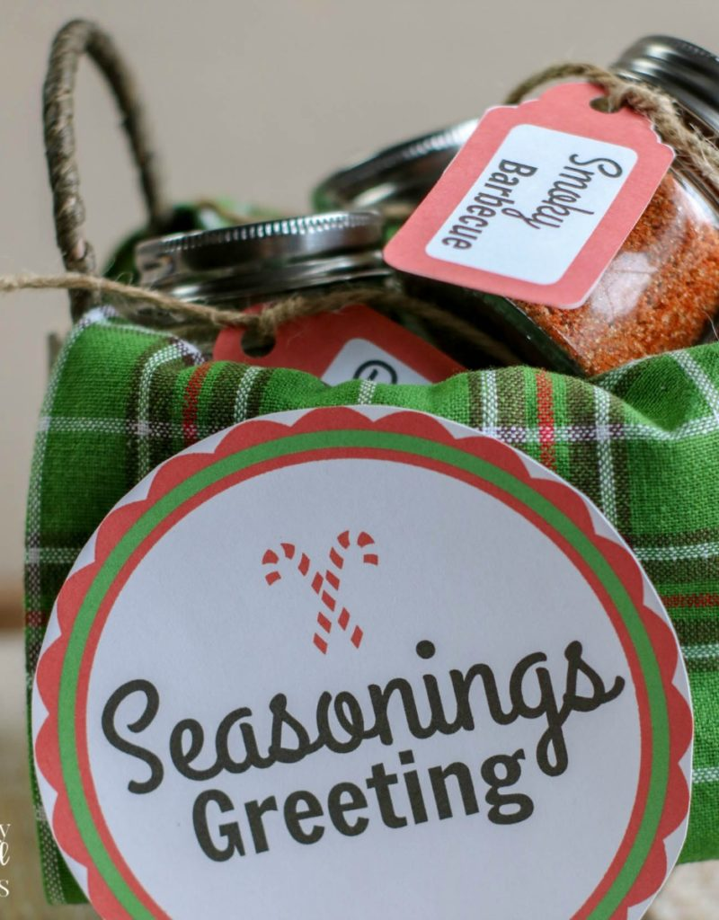 diy spice mix gift basket with homemade seasoning recipes and printable gift tags